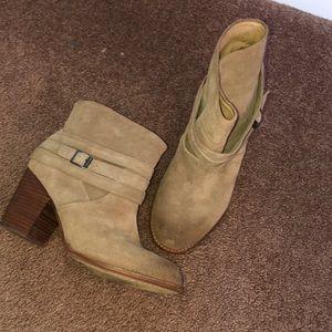 Splendid booties